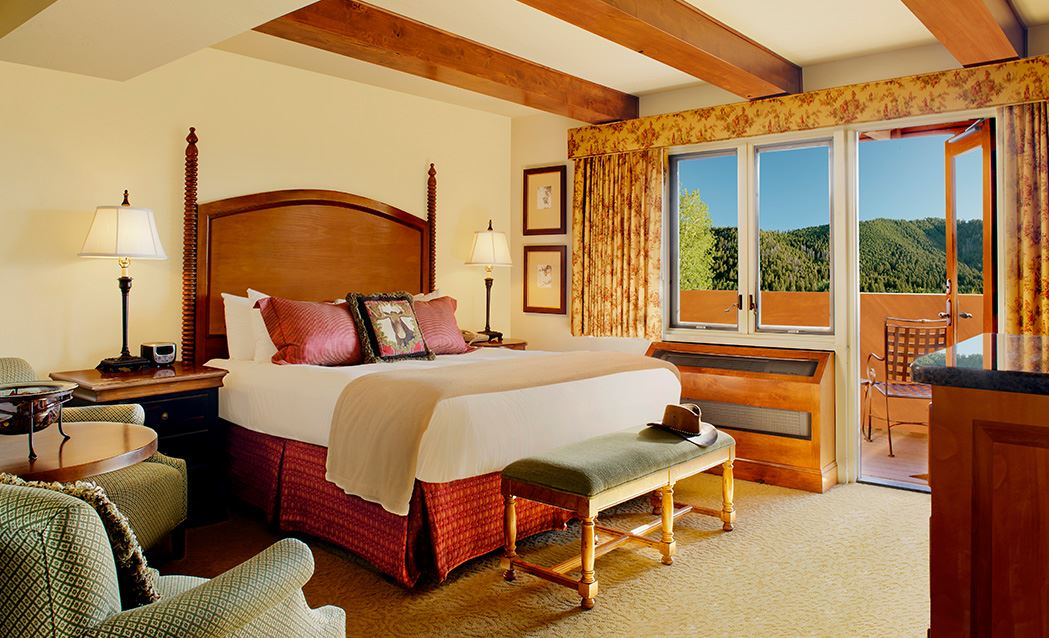 Snake River Lodge & Spa - Deluxe King With Shared Balcony