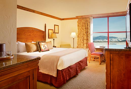Rooms & Suites in Snake River Lodge & Spa, Teton Village