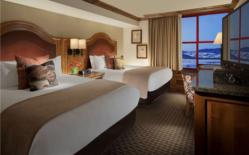 Deluxe Two Queens Suite in Snake River Lodge & Spa, Teton Village