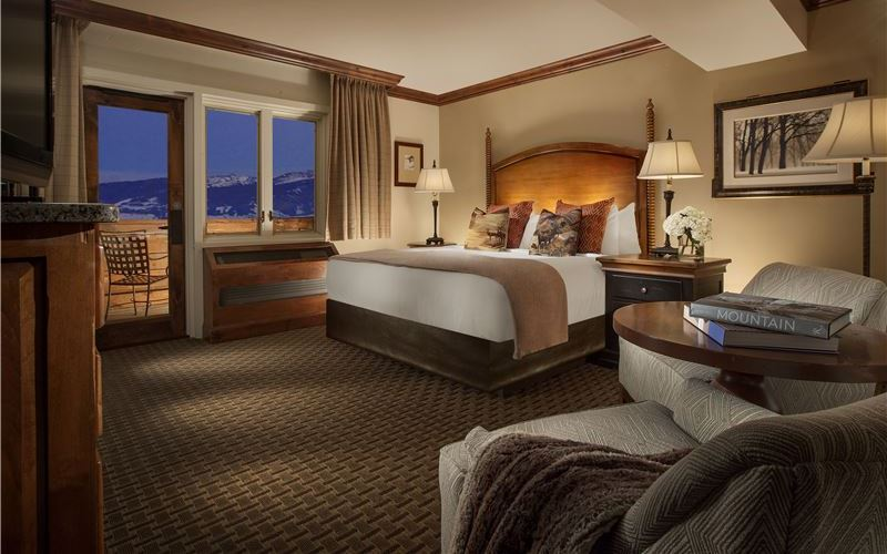 Deluxe King Suite at Snake River Lodge & Spa, Wyoming